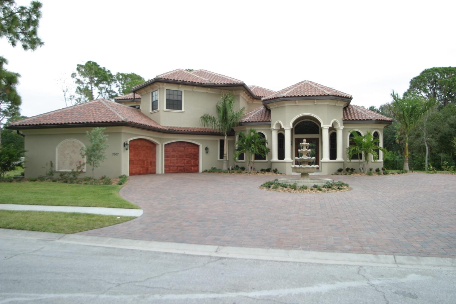 Custom Home in Seminole