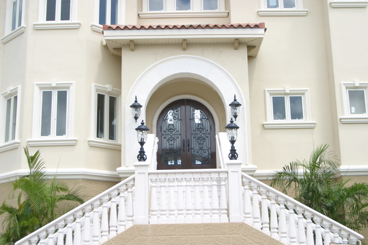Custom Waterfront Home Enrty