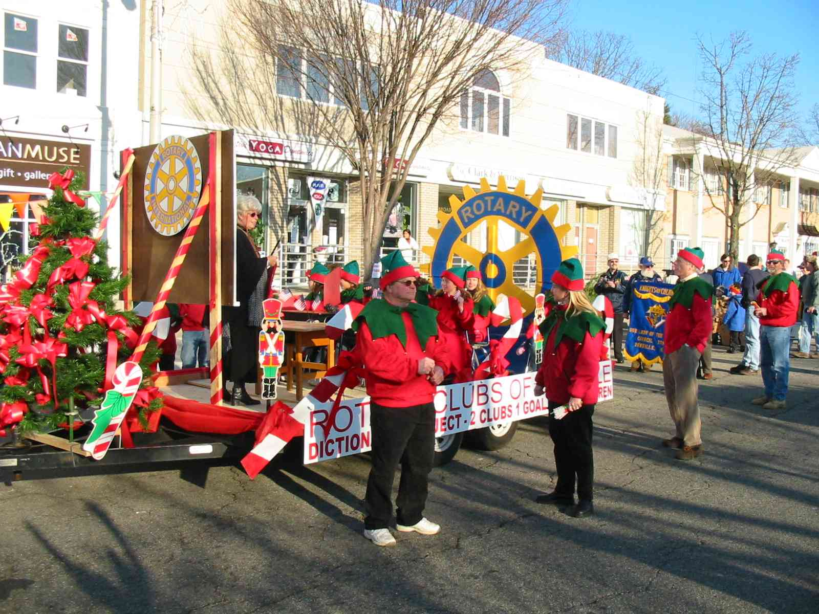2003_Holiday_Parade_Denville___14_.JPG