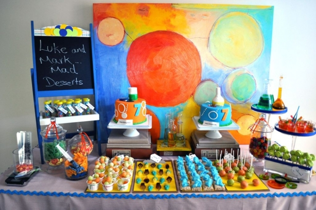 mad_science_birthday_party_dessert_table_239320e3030.jpg